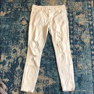 NWOT skinny white distressed jeans